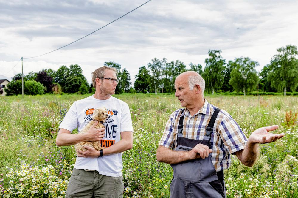 Heiner und Heinrich Wulfhorst am BienenBuffet. Copyright: Sven H. Hillert; Bertelsmann